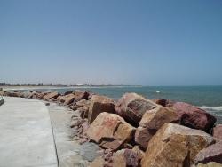 Mole am Hafen des Shopping Centers Platz am Meer in Swakopmund, Namibia